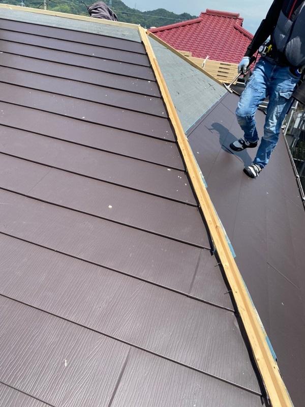 岡山県浅口郡里庄町 屋根重ね葺き工事(カバー工法) ルーフィング ガルバリウム鋼板 屋根の構造 (4)