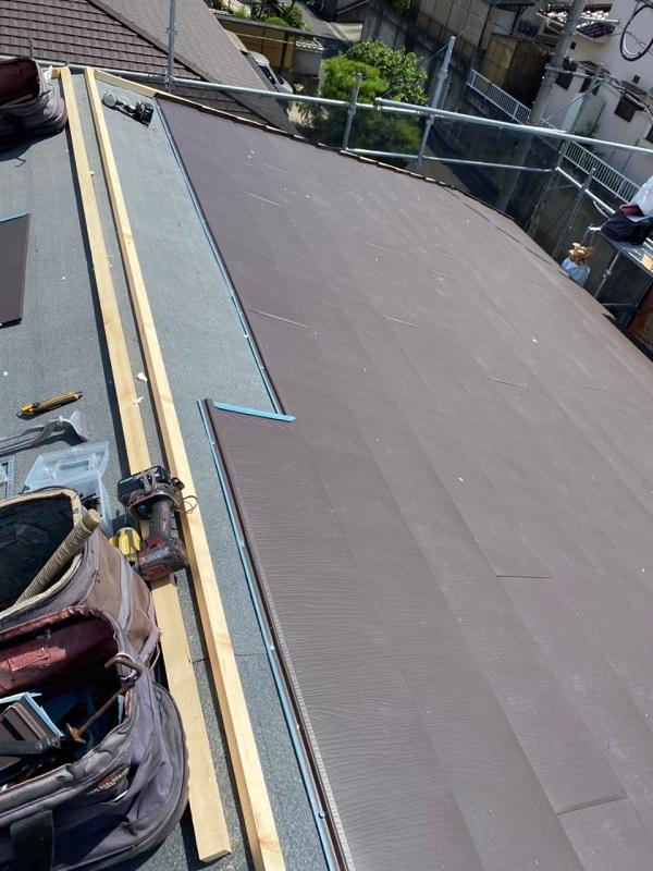 岡山県浅口郡里庄町 屋根重ね葺き工事(カバー工法) ルーフィング ガルバリウム鋼板 屋根の構造 (5)